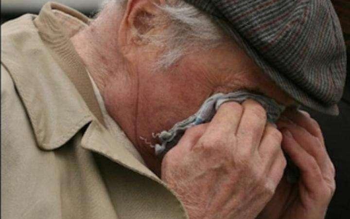 В Жирновском районе ограбили 88-летнего мужчину