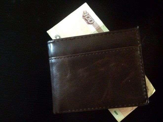 Неплательщик алиментов в Волгограде неудачно попытался дать взятку