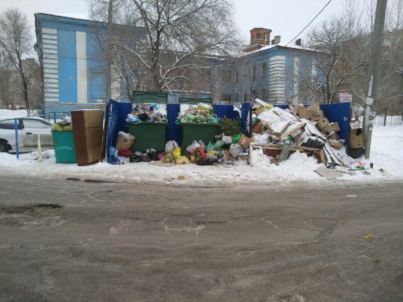 Журналистам не дали возможности поговорить с регоператором по вывозу мусора