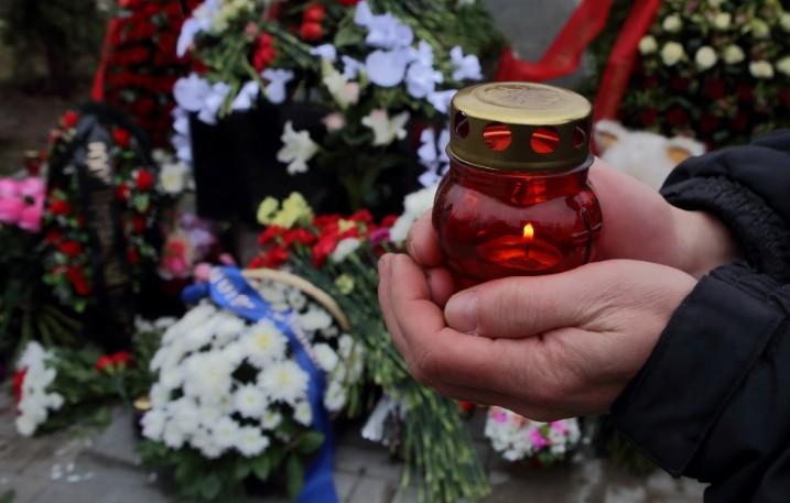 Актера Ивана Бортника и музыканта Криса Кельми похоронили в Москве