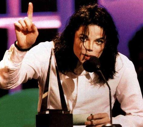 """""""Это несправедливо!"""": Семья Майкла Джексона отреагировала на обвинения певца в педофилии"""