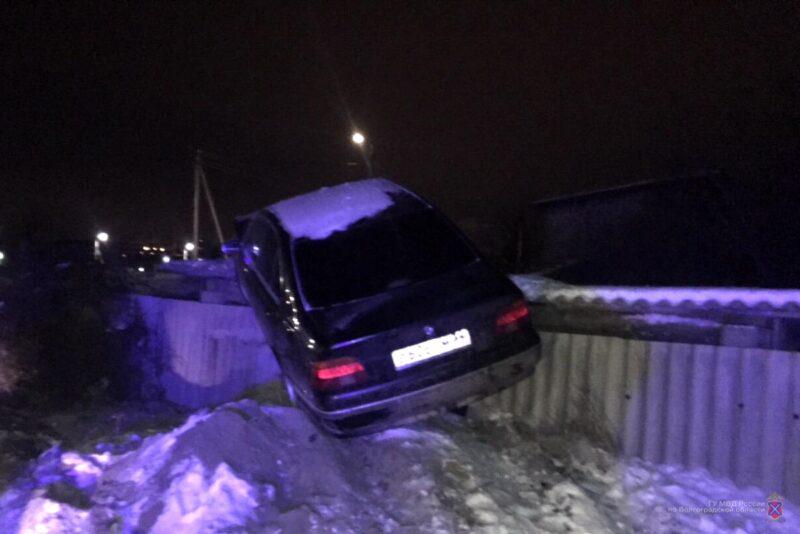 В Волгограде задержан пьяный водитель BMW с двумя пистолетами