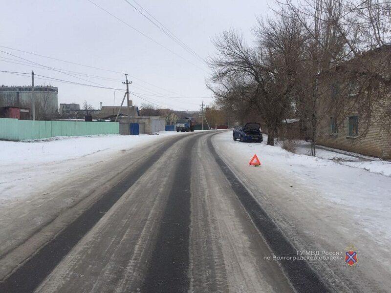 """25-летний водитель """"Лифана"""" протаранил дерево в Новом Рогачике"""