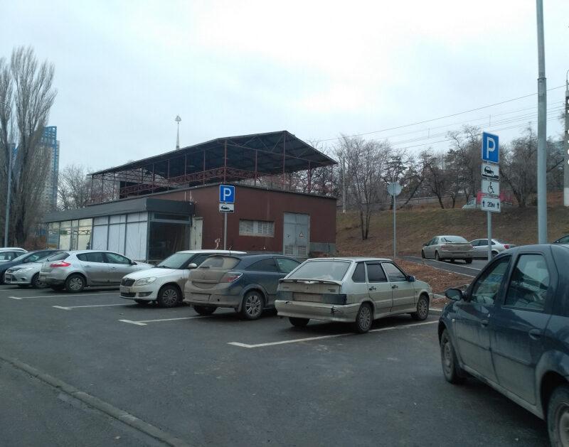 Недоступная среда: общественники выявили нарушения на парковках для инвалидов