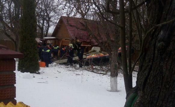 На жилой дом в Подмосковье упал легкомоторный самолёт: есть погибшие