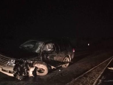 В Камышинском районе в аварии с внедорожником пострадал водитель КАМАЗа