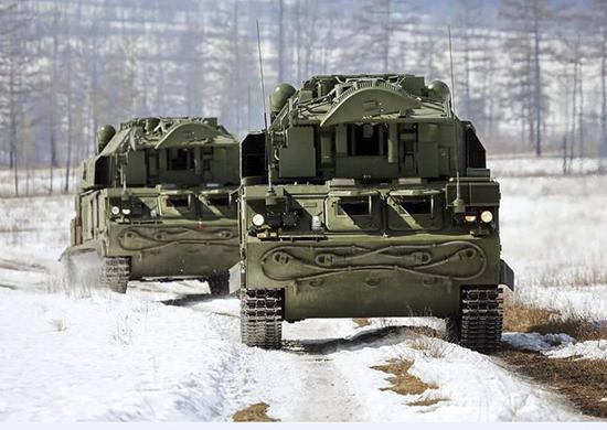 Военные в Волгоградской области провели игру «Щит и меч» для школьников