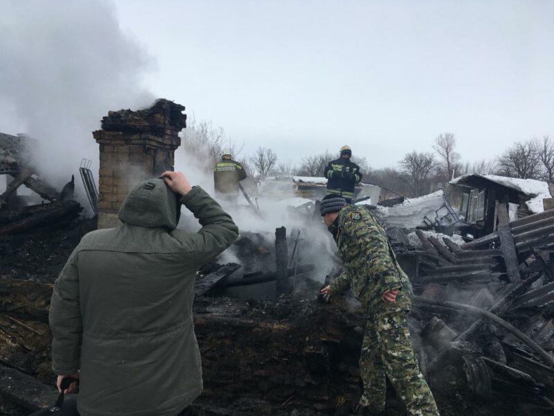 В Камышинском районе заживо сгорели отчим и 9-летняя девочка