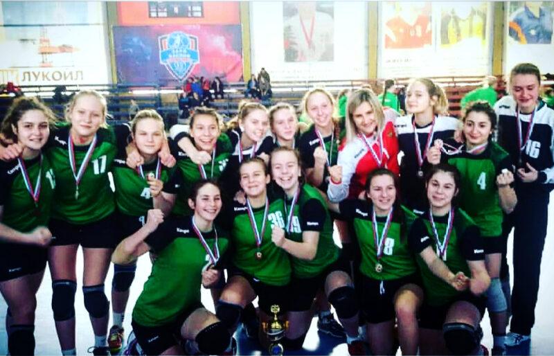 Юные волгоградские гандболистки взяли «бронзу» в Астрахани