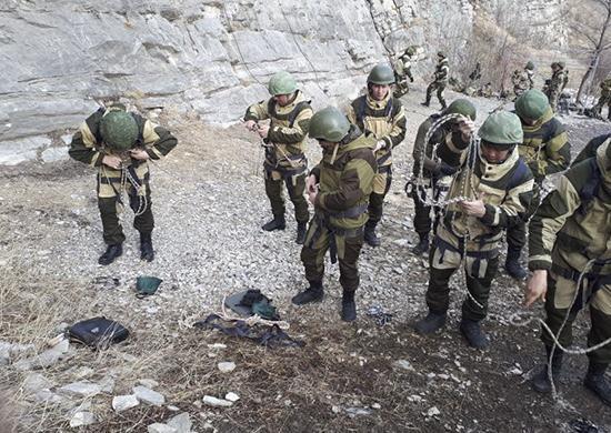 Разведчики из Волгоградской области прошли курс подготовки в горах Северной Осетии
