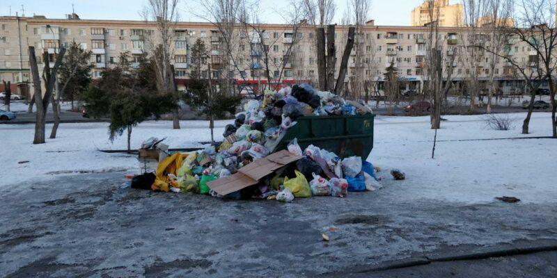 Фракция ЛДПР в Госдуме предложила освободить детей от платы за вывоз мусора