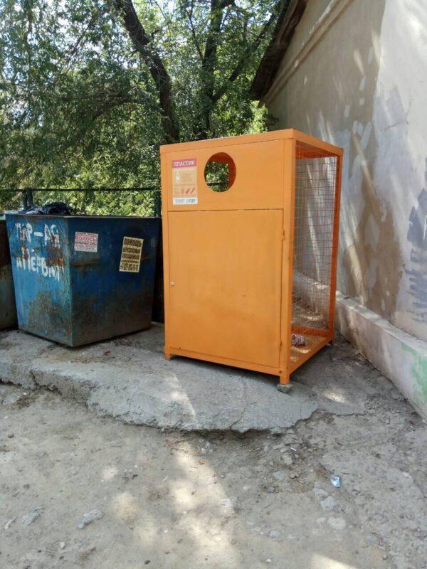 Контейнеры для сбора пластика в Волжском пока решили оставить