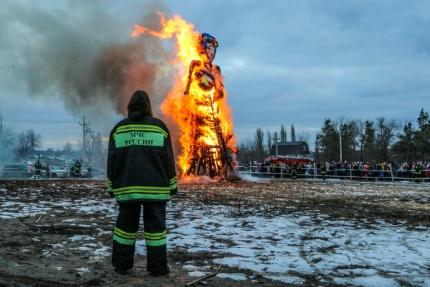 МЧС призывает не забывать о пожарной безопасности во время масленичных гуляний