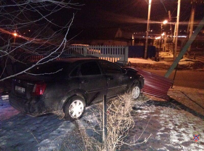 Пьяный волгоградец угнал и разбил машину приятеля