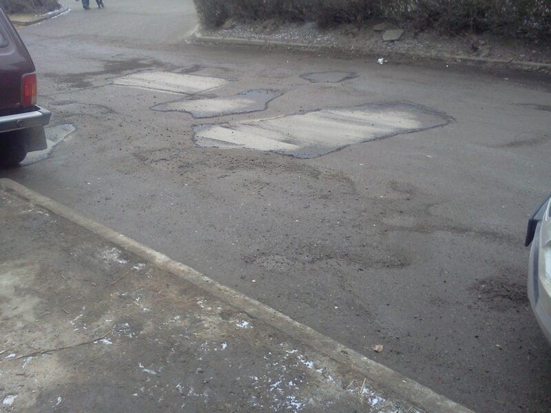 В четырёх районах Волгограда планируется привести в порядок дороги за 26 млн рублей
