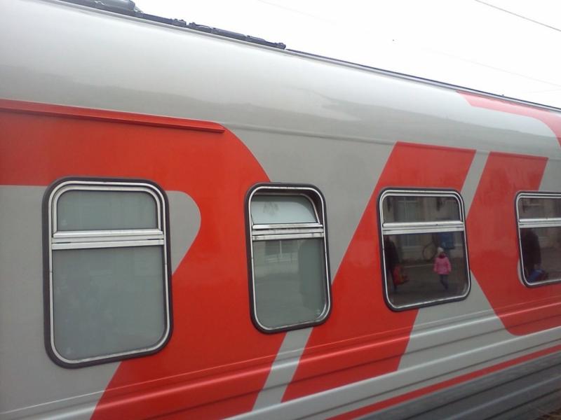 В Волгограде провожающий похитил из вагона поезда сотовый телефон