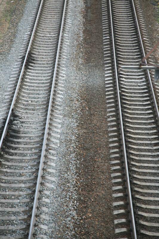 В Волгограде грузовой поезд сбил 12-летнего мальчика
