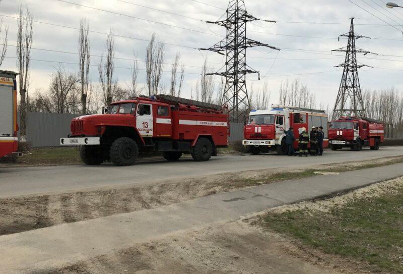 Спасатели МЧС ликвидировали условный пожар на одном из промышленных объектов Волжского