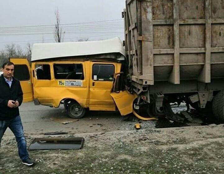 Мэрия прокомментировала ДТП с маршруткой в Кировском районе Волгограда
