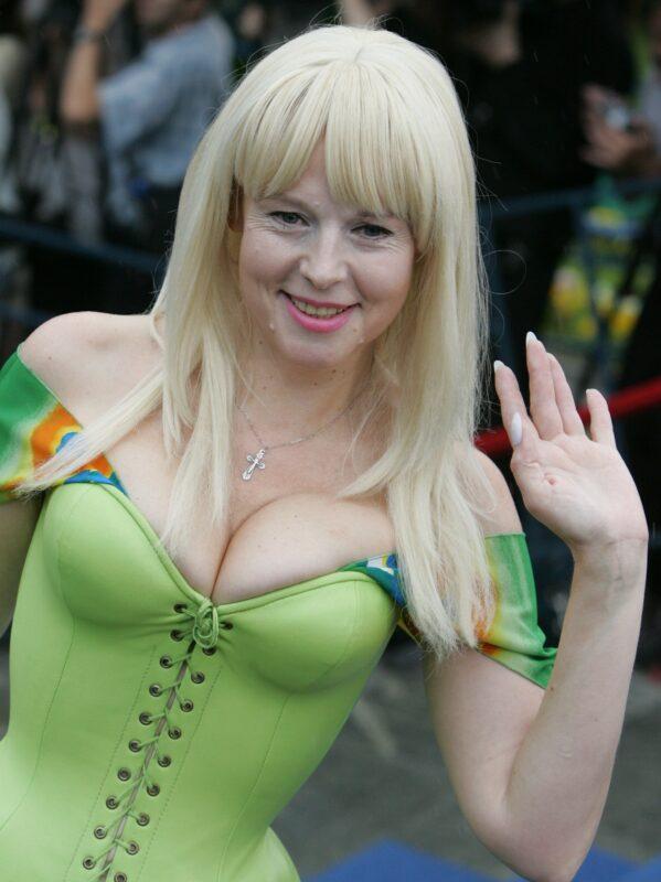 61-летняя Елена Кондулайнен показала фигуру в бикини