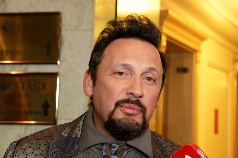 «Опять отлизанное лицо»: В Сети заметили преображение Стаса Михайлова