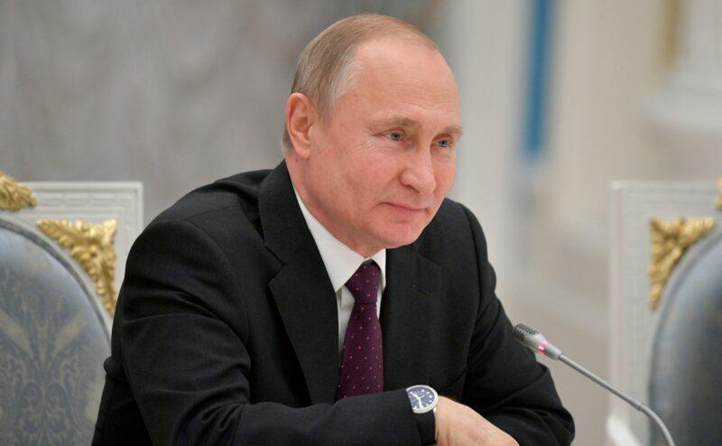 «Летом будет»: Песков назвал сроки проведения «Прямой линии» Путина