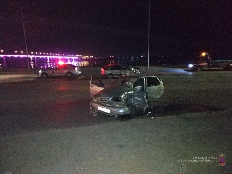 Женщина за рулем «ВАЗа» протаранила «Фиат»