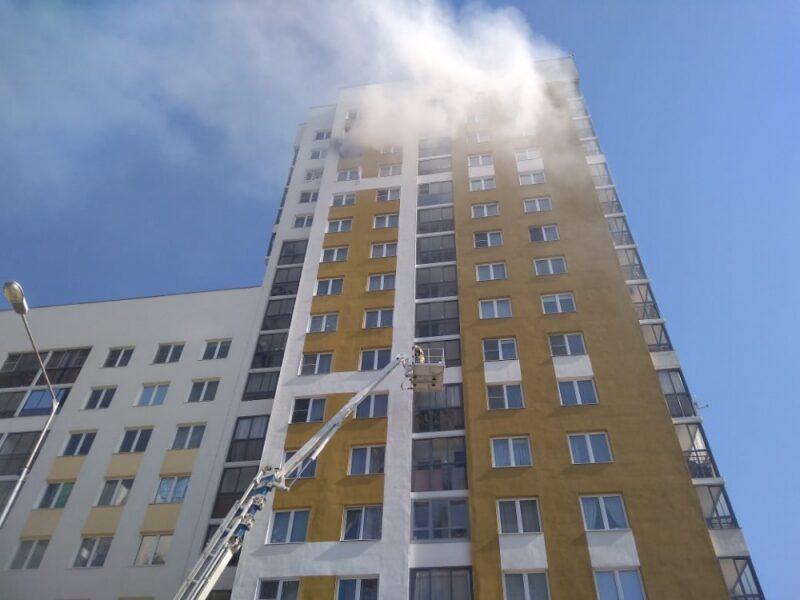 В жилом доме в Екатеринбурге произошел взрыв