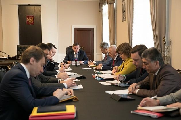 Андрей Бочаров поручил усилить безопасность в регионе на майские праздники