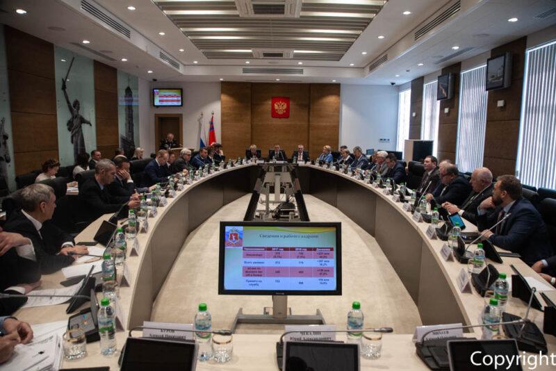 Депутаты Волгоградской облдумы рассмотрят закон об ограничении своих прав