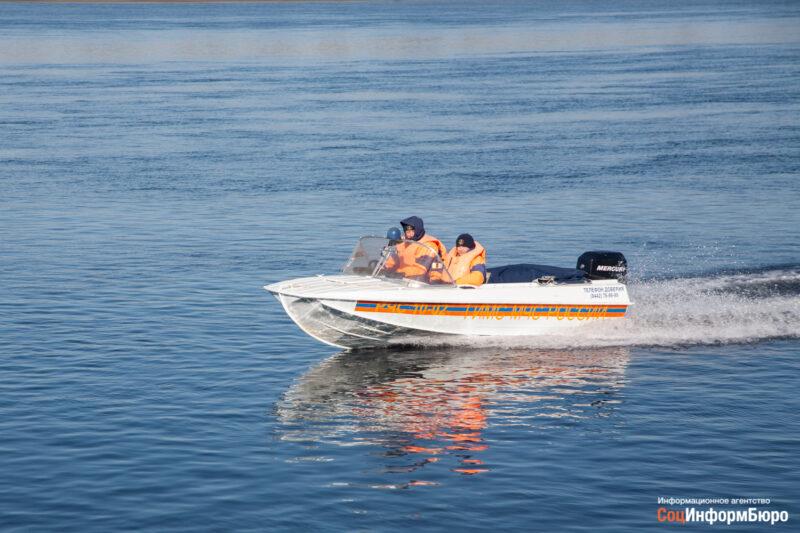 МЧС напомнило о правилах безопасного плавания на маломерных судах