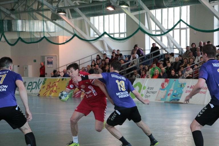 Волгоградский «Каустик» не устоял в матче против «Чеховских медведей»
