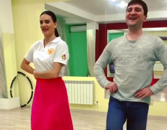 «Пищу от восторга!»: Исинбаева показала, как танцует лезгинку в Махачкале