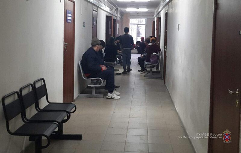 Четырёх иностранцев, работавших в Волгограде, выдворили за пределы РФ