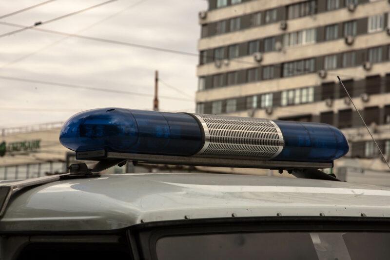 Отчиму грозит срок за пинок по автомобилю пасынка