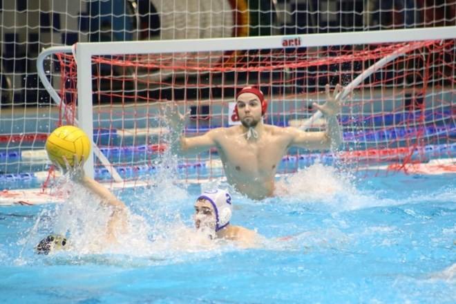 Ватерпольный «Спартак» по пенальти выиграл у казанского «Синтеза»
