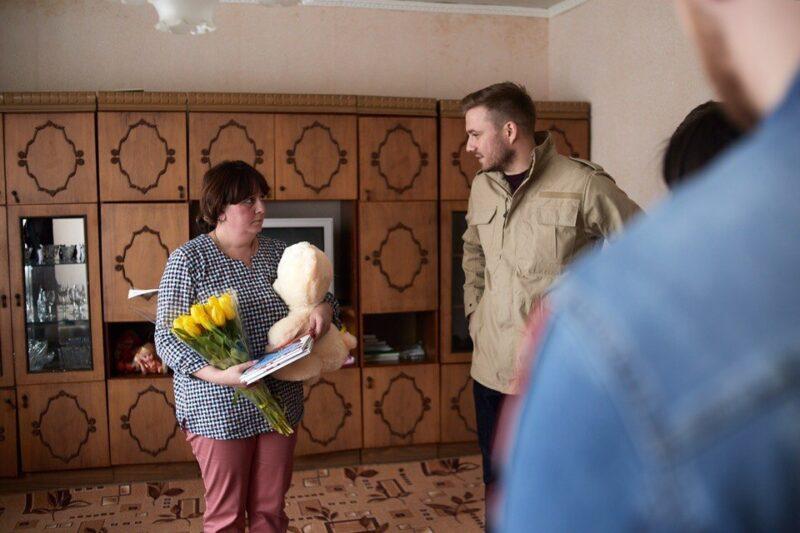 Семье погорельцев из Волгоградской области передали гуманитарную помощь