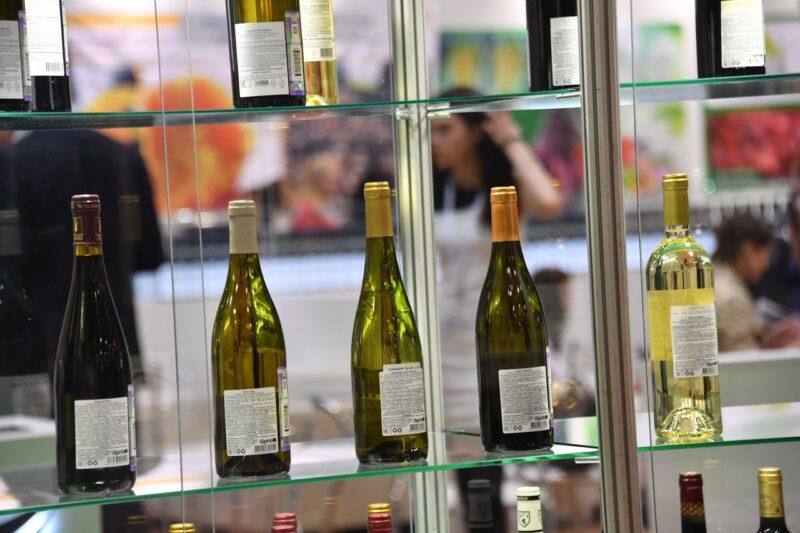 В Волгоградской области завершилось расследование уголовного дела по факту незаконного оборота контрафактного алкоголя