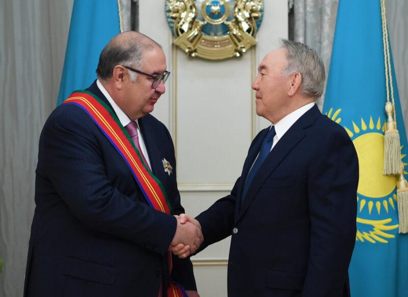 Из рук Нурсултана Назарбаева Алишер Усманов получил орден Дружбы