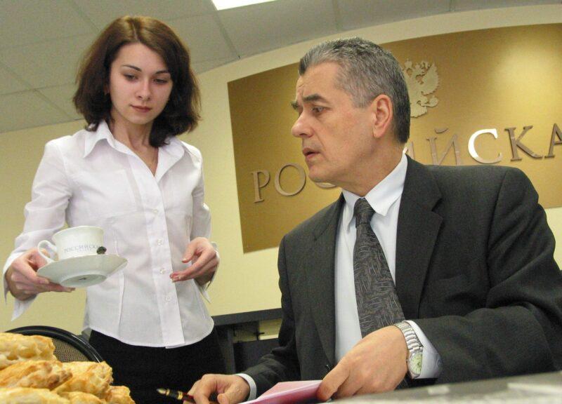 Геннадий Онищенко рекомендовал пожилым россиянам жить «чуть-чуть впроголодь»