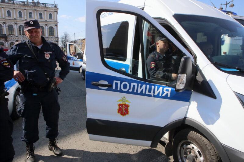 Волгоградское ЛУ МВД России на транспорте прокомментировало выходку агрессивного полицейского