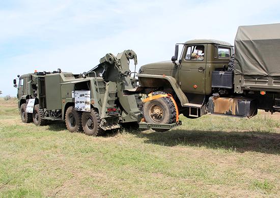 На полигоне Прудбой впервые продемонстрировали новейший военный тягач