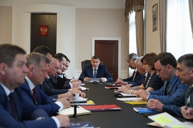 Андрей Бочаров поставил задачи по завершению посевной кампании