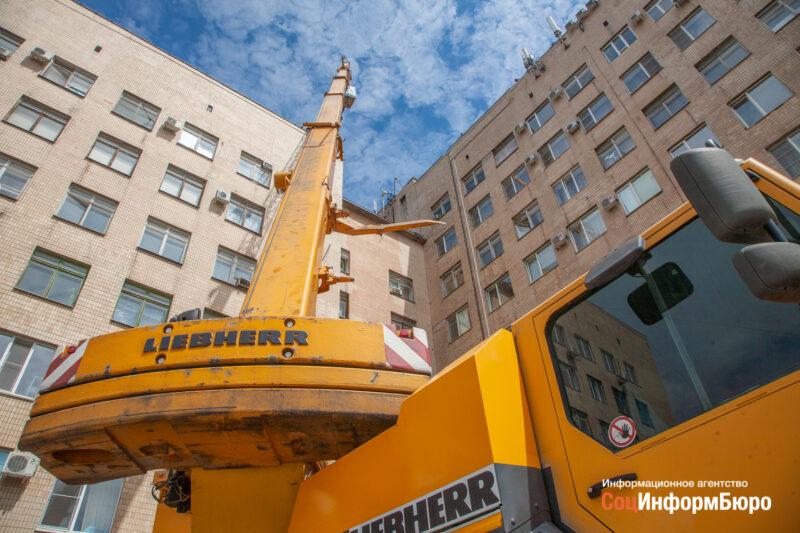 В Волжском завершают реконструкцию больницы им. Фишера и медицинского колледжа