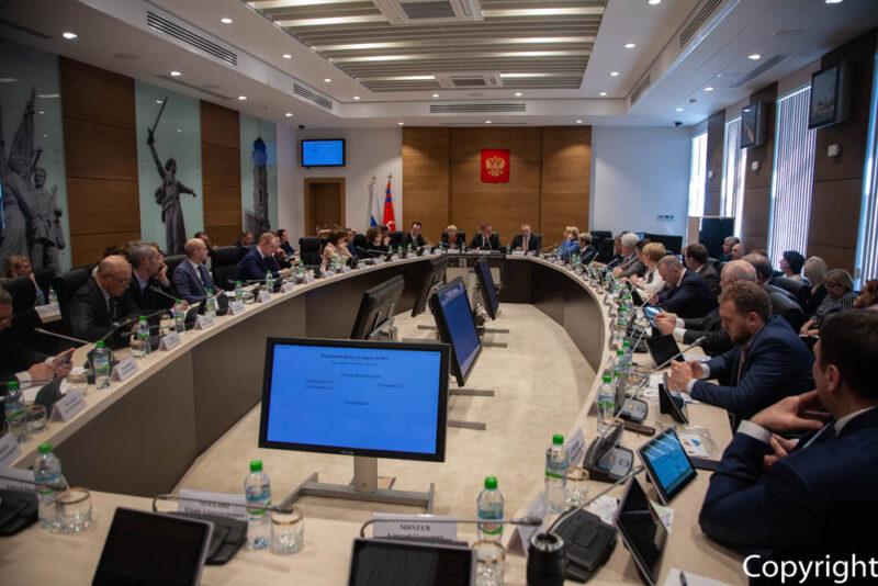 Волгоградская облдума отказалась рассматривать запрос к губернатору по тарифам на вывоз мусора