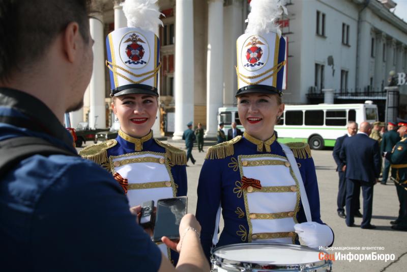 Волгоградские барабанщицы из Академии МВД рассказали, как готовились к Параду Победы