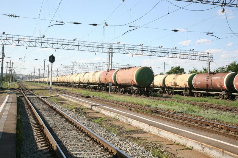 В Волгограде двое парней похитили 1,5 тонны металлолома на железной дороге
