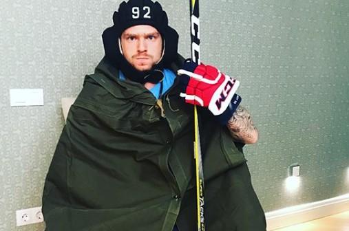 Хоккеист сборной России попал на видео с «белым порошком»