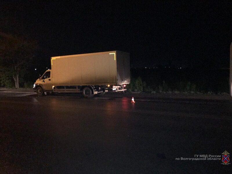 На севере Волгограда грузовик задавил 34-летнего пешехода