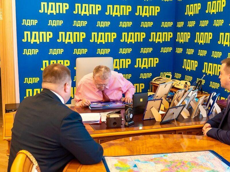 В Волгограде молодой вандал ждет суда за осквернение офиса ЛДПР